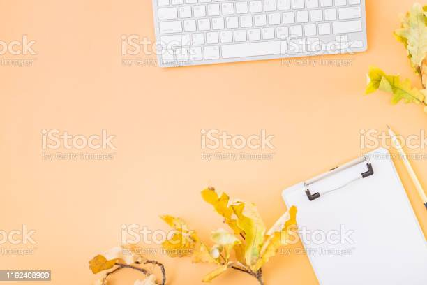 Flat lay blogger or freelancer workspace with a clipboard keyboard picture id1162408900?b=1&k=6&m=1162408900&s=612x612&h=j90z 7uerifwra88wjuqh5umkd3zq xxco2kxnwcwcu=