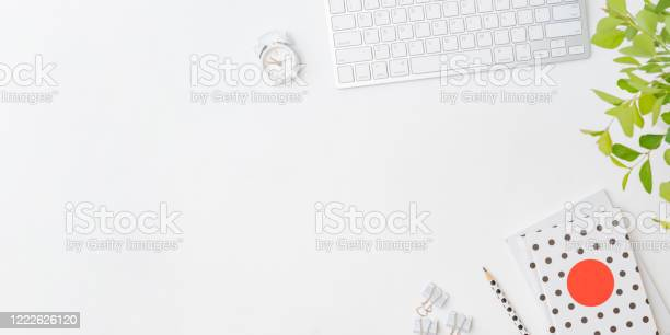 Flat lay blogger or freelancer workspace with a keyboard branches picture id1222626120?b=1&k=6&m=1222626120&s=612x612&h=z7hza4nvpbq1zui8dbqbk 8tryao9esxue4rhnkukaa=