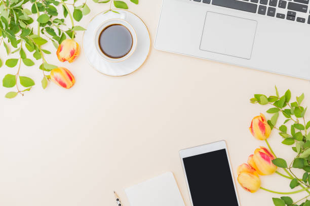 Flat lay blogger or freelancer workspace with a laptop yellow tulips picture id1221238983?b=1&k=6&m=1221238983&s=612x612&w=0&h=bd6ccq2j6a8hufwdtqje45rvjgq9xegyniqwfsqfg8e=
