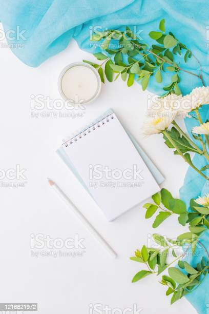 Flat lay blogger or freelancer workspace with a notebook and scarf picture id1218821972?b=1&k=6&m=1218821972&s=612x612&h=cfvr2qzb8cwmqyh9j71jj1yy m8ge0fbej 2ks92ru8=