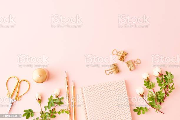 Flat lay blogger or freelancer workspace with a notebook and small picture id1189360813?b=1&k=6&m=1189360813&s=612x612&h=dw1m1t09um ptcxpnpvjtf1j4pryxwo7thwoqn 7xea=
