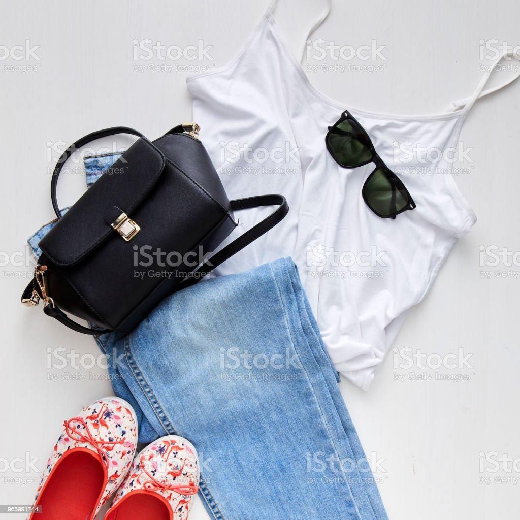 flach liegen feminine Kleider und Accessoires collage - Lizenzfrei Ausverkauf Stock-Foto