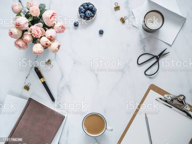 Flat lay feminine home office copy space picture id1151786266?b=1&k=6&m=1151786266&s=612x612&h=abt5wqxeuo5alcmvjz4 m4rk3m4hnwp0tjpvuhgafs0=