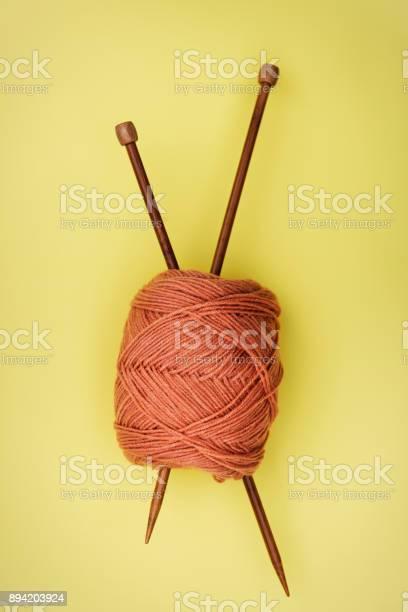 Flat lay of knitting needle and yarn picture id894203924?b=1&k=6&m=894203924&s=612x612&h=cf8s1jdflmm mgm0fhhyssi2kacjvqjvqjgzilrx84q=