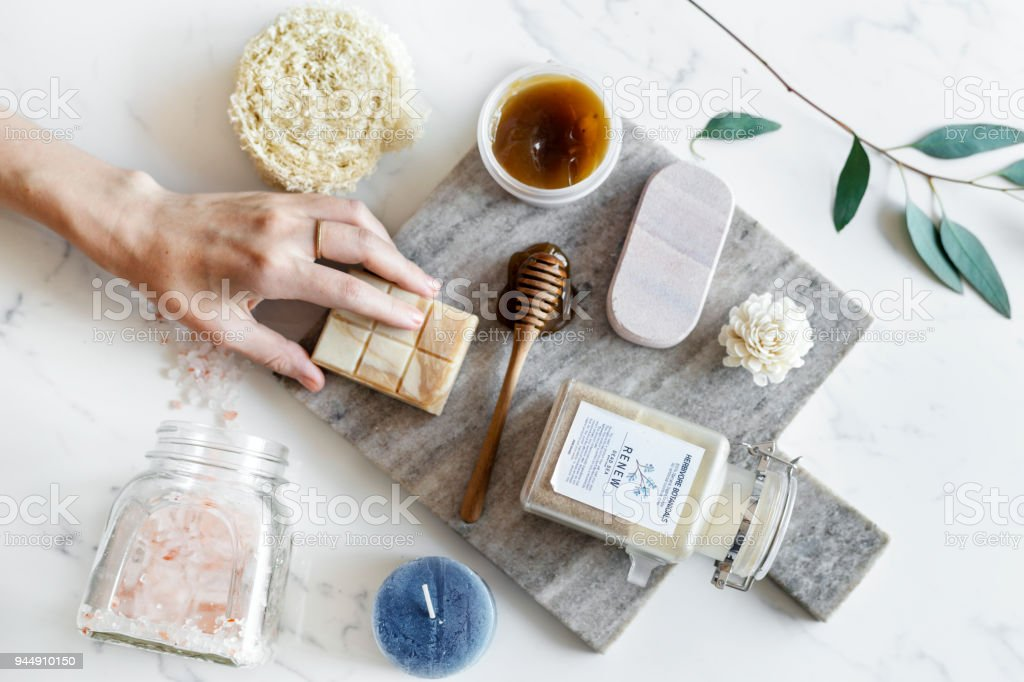 Flat lay of spa treatment set - foto stock