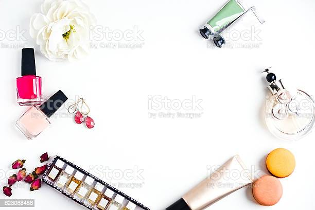 Flat lay of womans fashion beauty products on a white picture id623088488?b=1&k=6&m=623088488&s=612x612&h=pwo7wkfdikbluyh8uyqb7h gfyjeq9iabfyzrbrsvic=