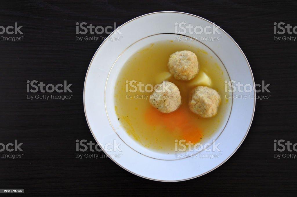 平躺的逾越節猶太湯餃子 免版稅 stock photo