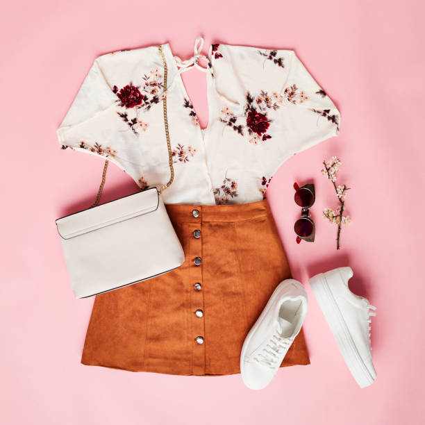 flat lay shot of female holiday clothing and accessories - część garderoby zdjęcia i obrazy z banku zdjęć