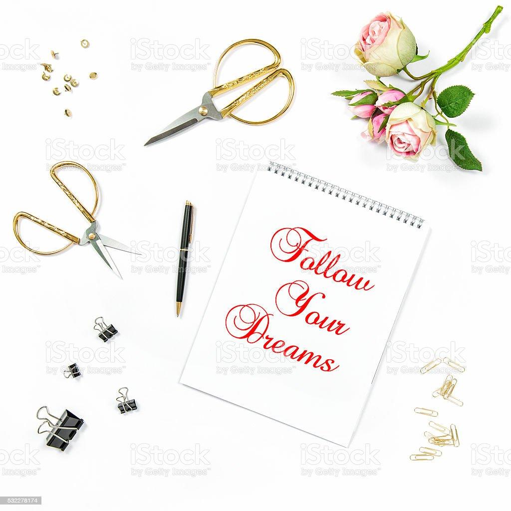 Flache Legen Skizzenbuch Der Rose Blumen Motivation Angebot Stock