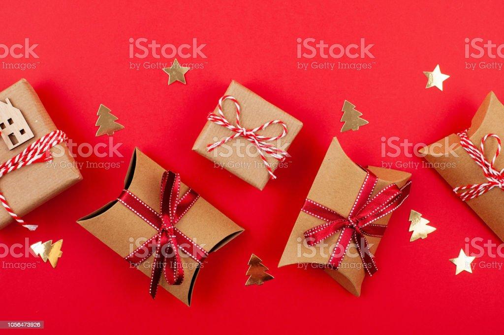 Plana Se Pone Con Decoración Brillante De La Navidad