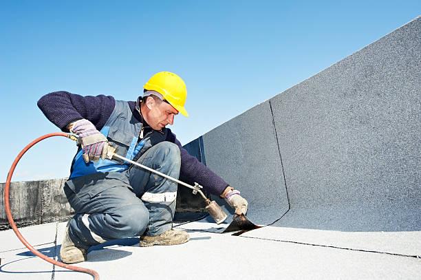 Flache Dach, die arbeitet mit Überdachung Filz – Foto