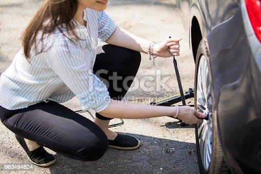 istock Flat tire 663494824