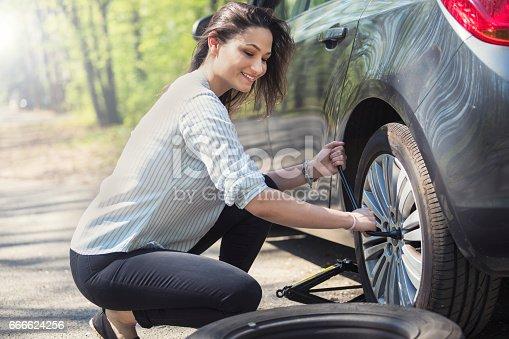 istock Flat tire 666624256