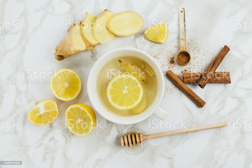 Agua con miel dolor de garganta