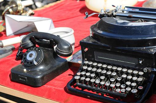 Flea Market antique Vintage telephone and typewriter Flohmarkt in Havelberg