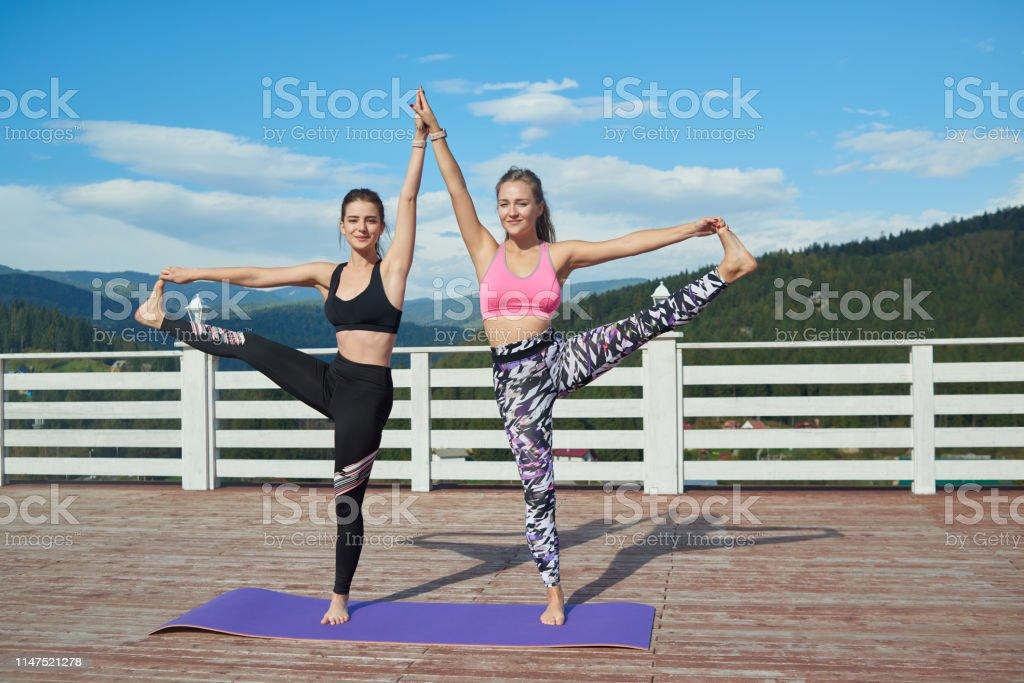 pictures of flexible women