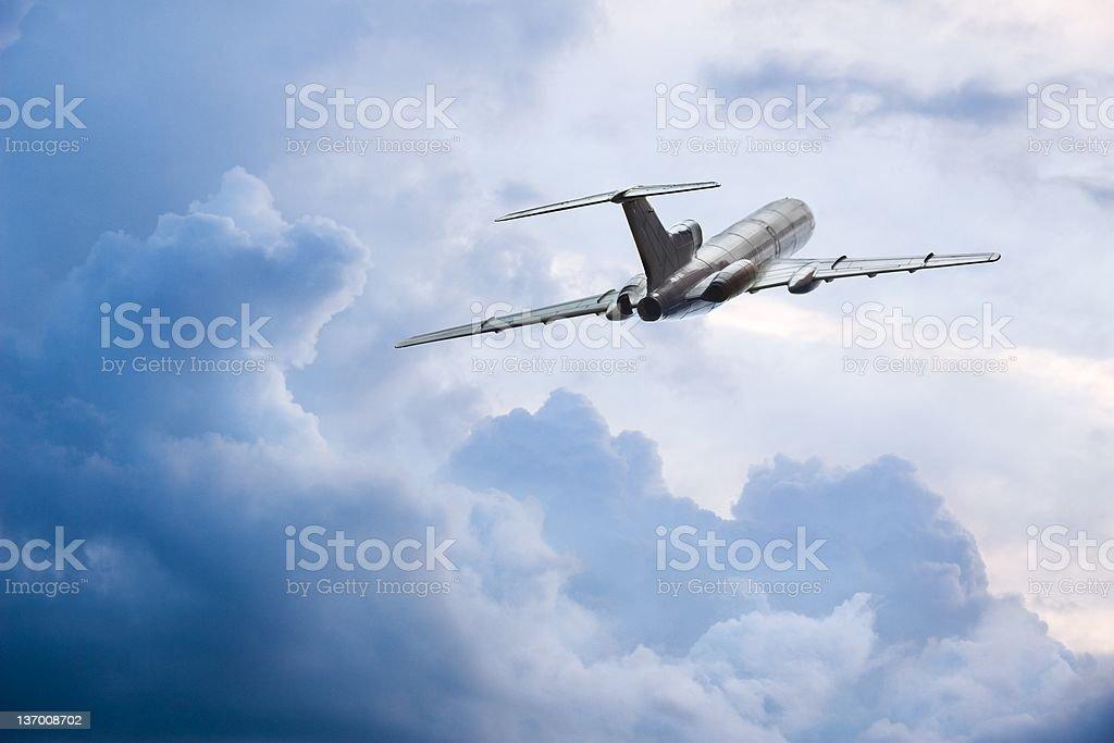 Fliegen durch die Wolken – Foto
