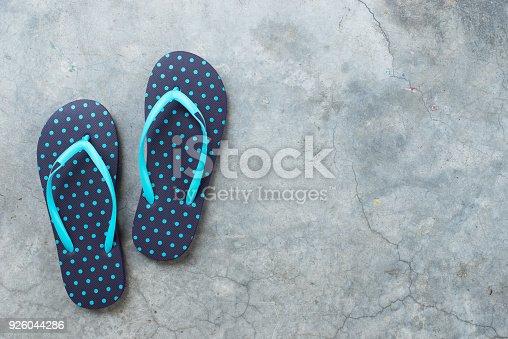 istock flip flops 926044286
