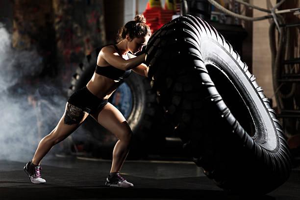 Flipping in gym - foto de stock