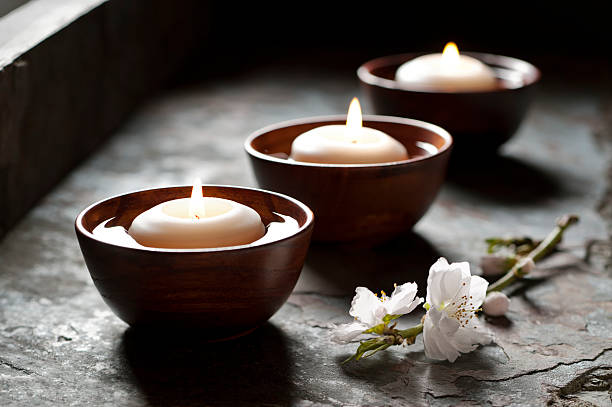Schwimmenden Kerzen in eine Zen-Atmosphäre – Foto