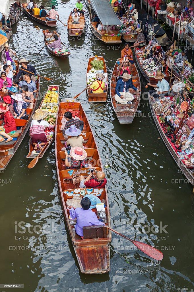 floating market Damnoen Saduak in Bangkok stock photo