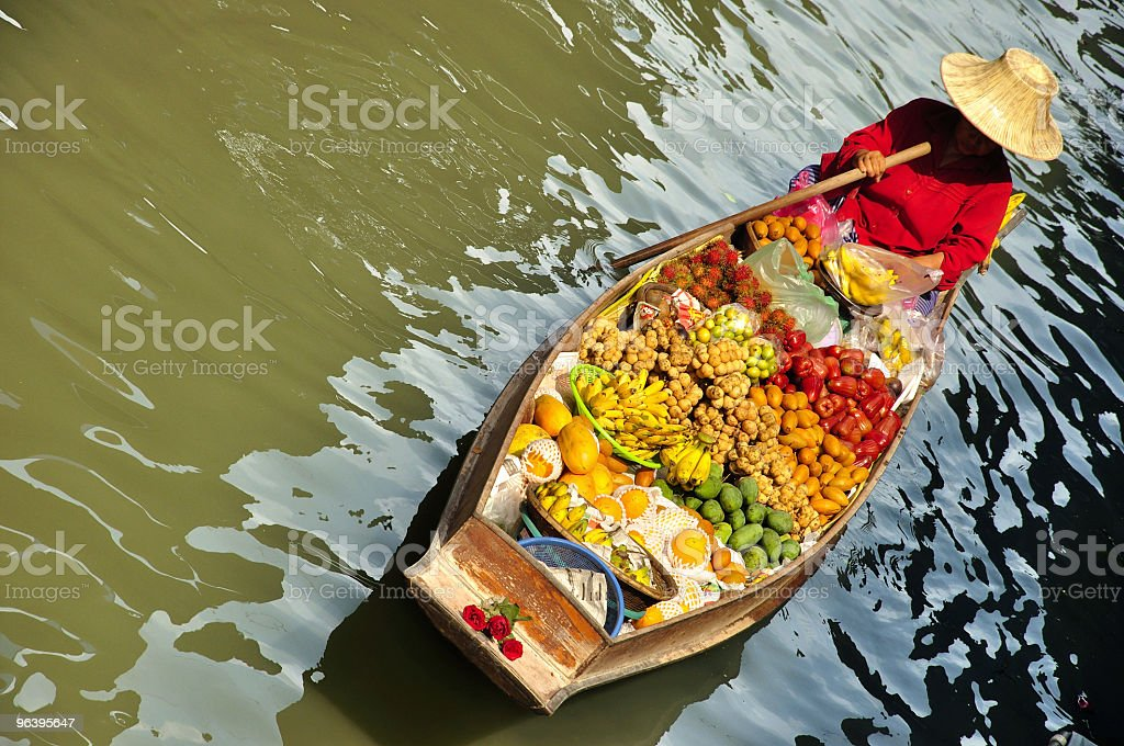 水上マーケットフルーツのボート - カラフルのロイヤリティフリーストックフォト