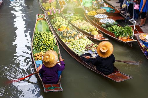 Floating market in Thailand.Damnoen Damnoen Saduak floating in Ratchaburi.