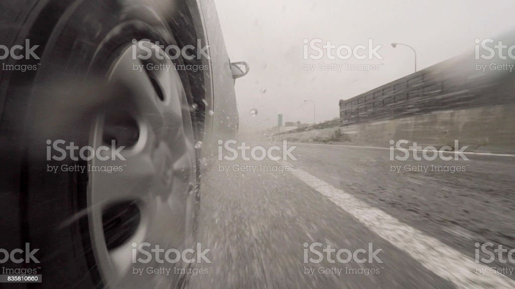Automóvil de difusión - foto de stock