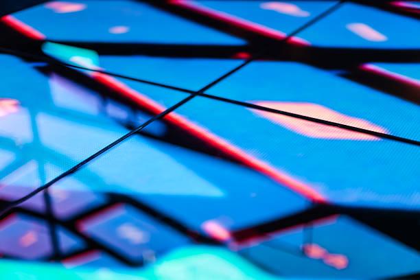 LED-Etage Technologie Strahlend Blau Muster elektronische Reflexion – Foto