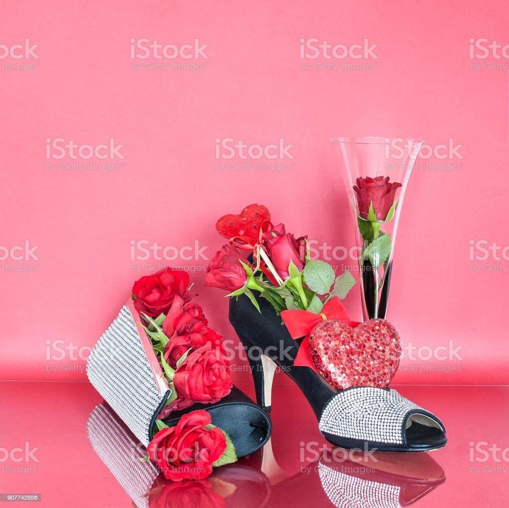 Arreglo Floral Para El Día De San Valentín Con Una Bolsa