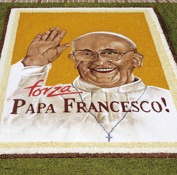 floral display - pope francis stok fotoğraflar ve resimler