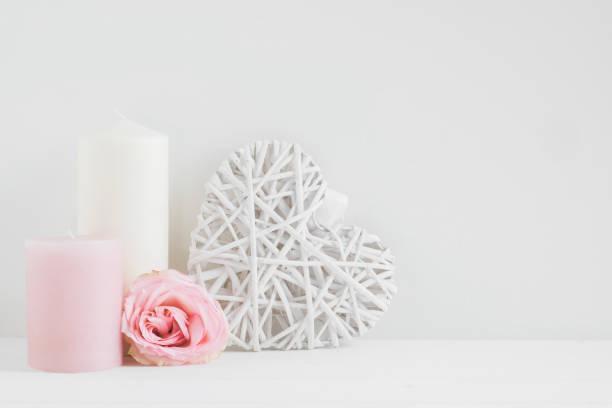 floral gestylt mock-up foto - herz zitate stock-fotos und bilder