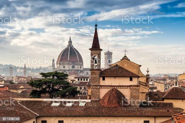 Florence cityscape picture id921338240?b=1&k=6&m=921338240&s=612x612&h=47kstma gndw1ydln kzbsteot6lnjdgt7plttcwxaa=