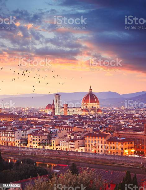 Florence in italy by sunset picture id588389060?b=1&k=6&m=588389060&s=612x612&h=oq73orvjs7xf cupa6y9or1pyec bymkw8e7ztvbfhw=