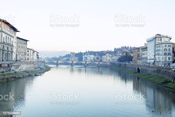 Florence in winter arno picture id1075039452?b=1&k=6&m=1075039452&s=612x612&h=sd2yerg0vuajbzhex4n7qskcinadu2jbhoa3jighzmq=