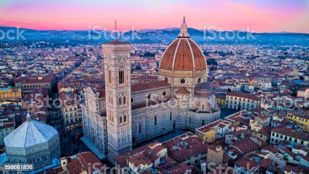 Florence it duomo aerial view picture id898661836?b=1&k=6&m=898661836&s=612x612&h=c6zakqpp4rnepycy4ujlqvc7m1z88hrkbcp1nvzzucu=
