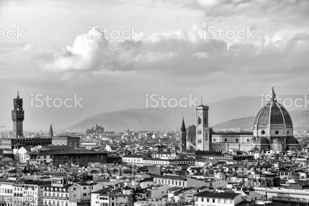 Florence skyline picture id821779970?b=1&k=6&m=821779970&s=612x612&h=4ddaealdgvkrfczn6l6tqh7sxra0ahzvwa6ywfxgodw=