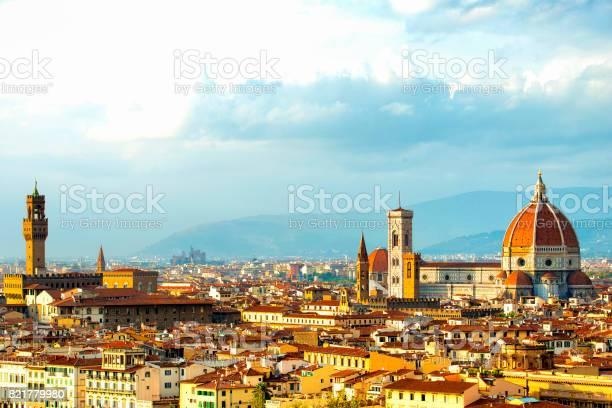 Florence skyline picture id821779980?b=1&k=6&m=821779980&s=612x612&h=xin7v9htvzvxiaxvz iu3tfdny4orypu13zhyjzr 8o=