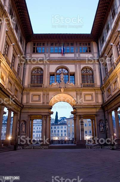 Florence uffizi gallery in morning picture id149071060?b=1&k=6&m=149071060&s=612x612&h=asz21cnpn0a hpbnofgweze0tnyonadgg0wyaiyftco=