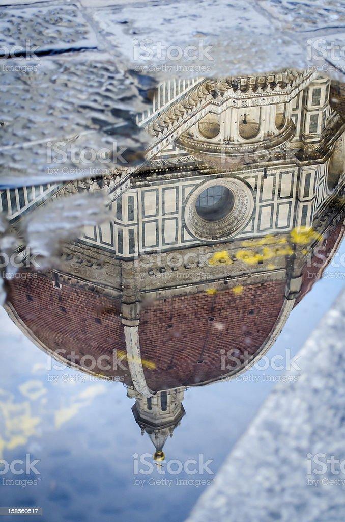 Florence 왜고너의 캐서드럴 도메 점착층의 a 웅덩이 royalty-free 스톡 사진
