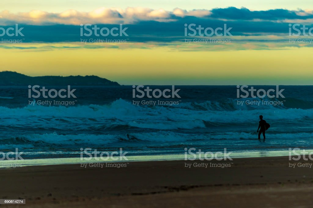 Florianópolis, Praia do Santinho - Surfista stock photo