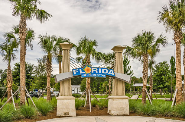 florida welcomes you sign - place sign stock pictures, royalty-free photos & images