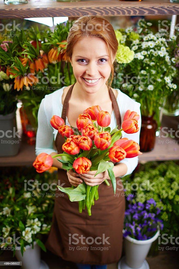 Florist mit Tulpen – Foto