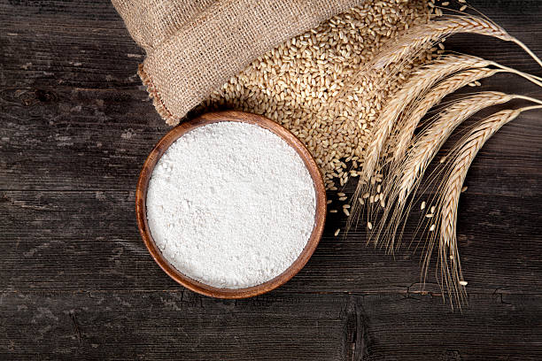farina e cereali di grano - farina d'avena foto e immagini stock