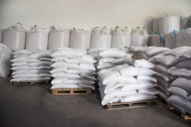 sacos de farinha em estoque - foto de acervo