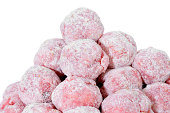 floured raw meatballs