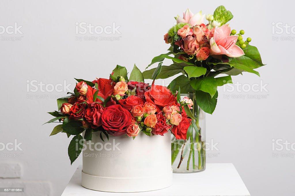 Blumenschmuck Auf Tisch Stock Fotografie Und Mehr Bilder Von