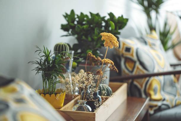 Blumenarrangement – Foto