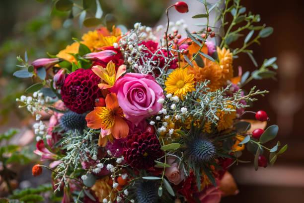 bloemboeket - boeket stockfoto's en -beelden