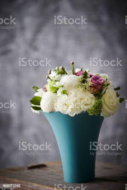 Blombukett-foton och fler bilder på Behållare